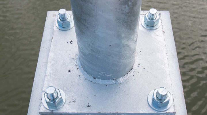 anchor-bolts-light-post